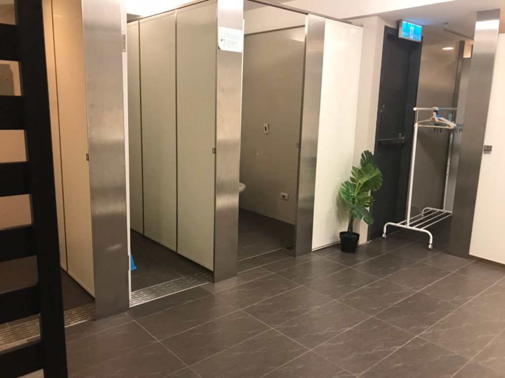 台湾子連れおすすめのホテル airbnb内装お風呂と洗面所