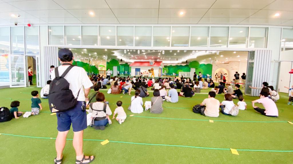 アンパンマンミュージアム横浜2階、ショーの混雑具合。